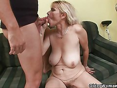 Blow your load above mom's face