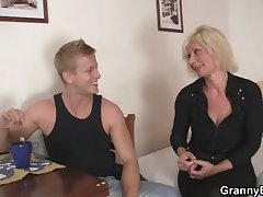 Blonde granny allows him drill her old cunt