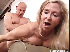 Beautiful mature blonde Annabelle Brady loves beside fuck