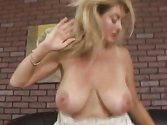 Mature Milf Sharp practice surpassing Husband