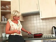 Adult matriarch knows putting to fire off a cock
