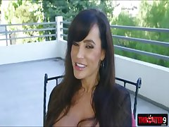 Sum total aged hottie Lisa Ann shows the brush astounding deep flannel sucking power