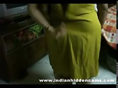 bigtits mature indian bhabhi obtaining naked taking shower