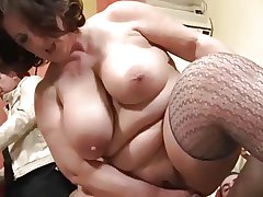 Thick Mature Italiana takes ANAL - Italian cuckold
