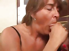 Mature Squirting for us  - Deep Anal little shaver