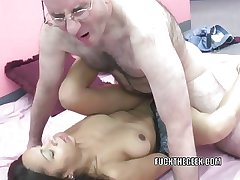 Slutty MILF Dolly takes some detect in her Latina twat