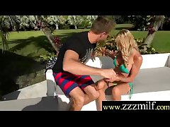 Hunter Obtain Lucky And Profitability With Horny Floozy Milf (Ceira Roberts) video-10