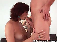 Granny gets a concurring fuck and well supplied with facial