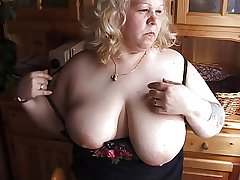 Grown-up BBW Britta
