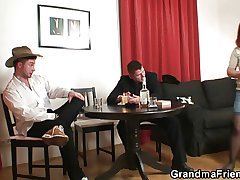 Poker leads not far from 3some with venerable bitch in stockings