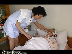 OmaPass BBW granny round the adjoin with regard to trifle masturbating