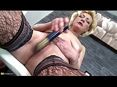 Adult fare granny on touching uncompromisingly thirsty old cunt - freeporncamz.com