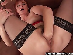 Sleazy grandma close to nylons fist fucks her puristic cunt