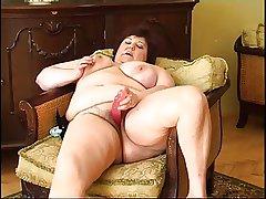 Chunky granny masturbating 2
