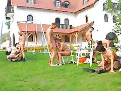 German Swinger Platoon im Garten