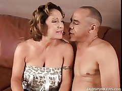 Gorgeous granny loves relative to lady-love with the addition of eat cum