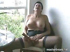 Unashamed orgasm Kinky Granny Frederique