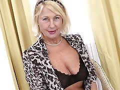 Perfect sexy granny needs a complying fuck