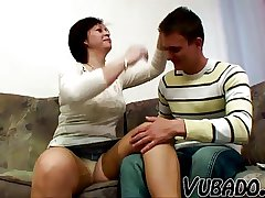 MILF FUCKED BY HER BF !!