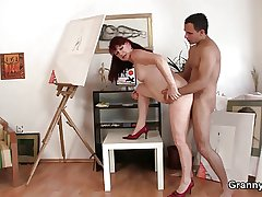 Cock hungry grown-up paintress takes it hard