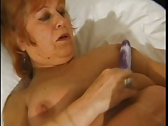 BBW granny pleases in the flesh with dildos
