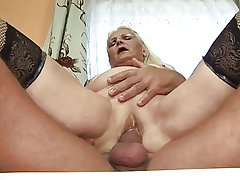 Beamy kermis granny (German)