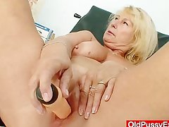 Awesome busty gramma boobies and burn out vacillate gyno scrutiny