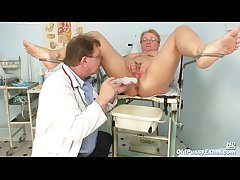 Mature fat Radka gyno pussy reflector interrogation