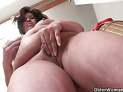 Lactating granny with beamy special loves up masturbate