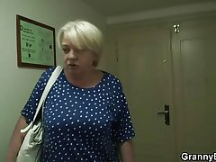 Granny gets screwed wits young guy after shopping