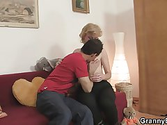 Young clothes-horse picks down and fucks cute mature blonde