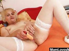 Mature Dominika old pussy unlatched plus masturbation