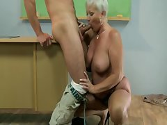 Old hot GILF mature bus sucks student