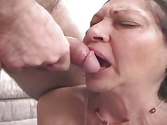 Dildo Granny 70 duration gets fucked
