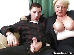 Elderly bitch is picked up and double fucked