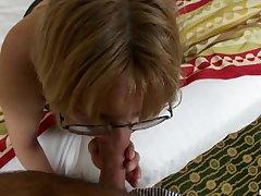 Nascar Grandma pursuance her first Porn