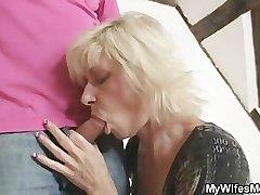 Blonde mom seduces her laddie in law