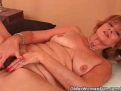 Plump Grandma Gets Fucked More Her Unshaven Pussy