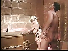BLONDE MATURE FUCKED Immutable IN BATHROOM - JP SPL