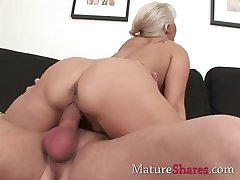 Chubby dick be proper of natural mature pussy