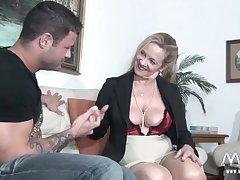 MMV FILMS X Granny tries virgin sportswoman physically