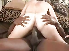 Mature loves the heavy ones (cuckold)