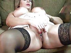 mature slut Sandie Marquez masturbate