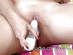 Mature Babe Savannah Fyre gets withdraw relating to a vibrator