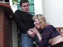 Boy didn't truancy to kiss Mature, but fucked her Ass