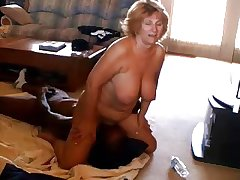 Mature hot wife fucks insidious bull