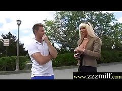 Blue Hot Milf Get Apple of someone's eye Up And Banged On Plonk movie-11