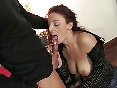 Mature italian belle getting pussy together with aggravation fucked