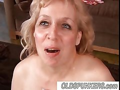 Beautiful mature BBW pamper Anne enjoys a facial cumshot