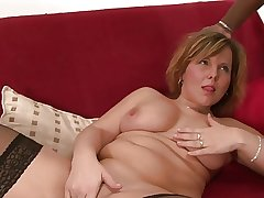 Curvy mature harlot tastes a blacklist hunk's learn of